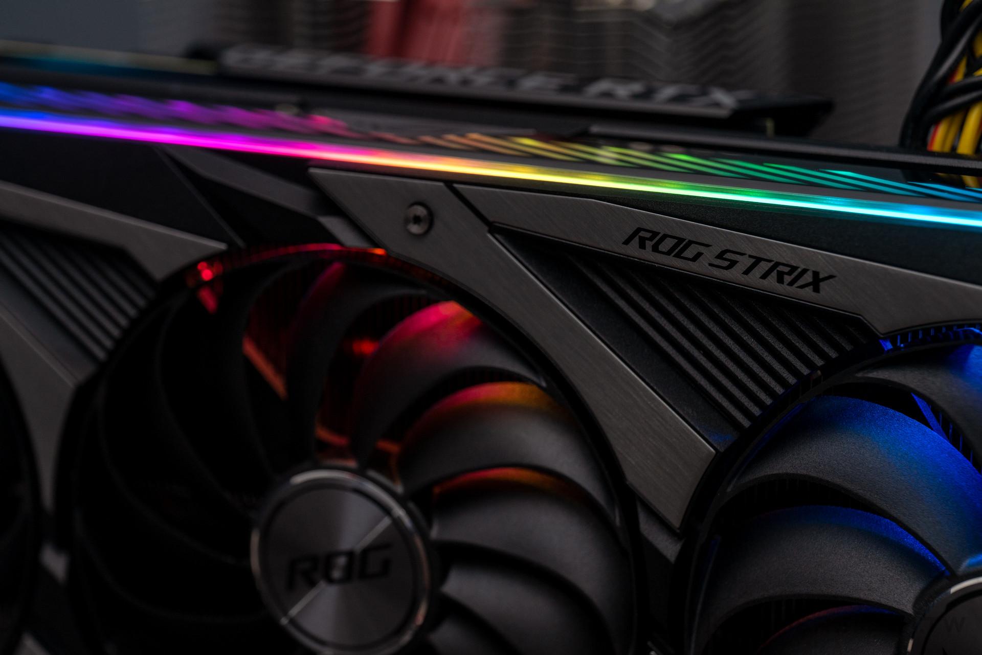 華碩ROG Strix GeForce RTX 3070 O8G動手玩:外觀爽度滿點的巨無霸顯卡| 4Gamers