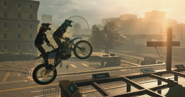 挑战极限《特技摩托赛:崛起》中文版发售,协力共乘新模式超搞笑