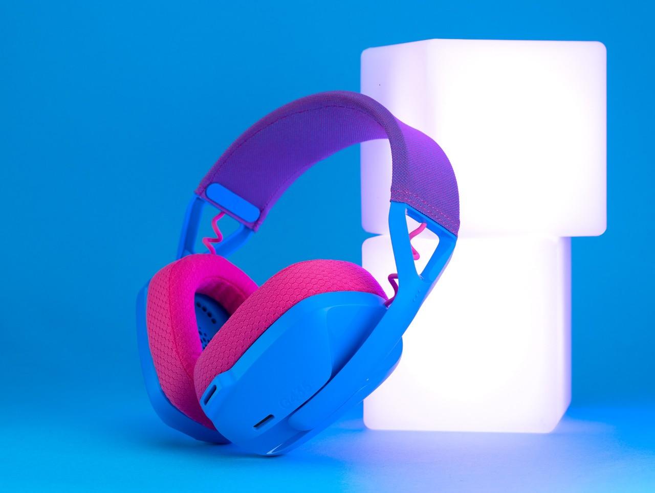 圖說03:G435的潮感外型讓耳機不只是一項設備,更是一種穿搭配件與時尚態度