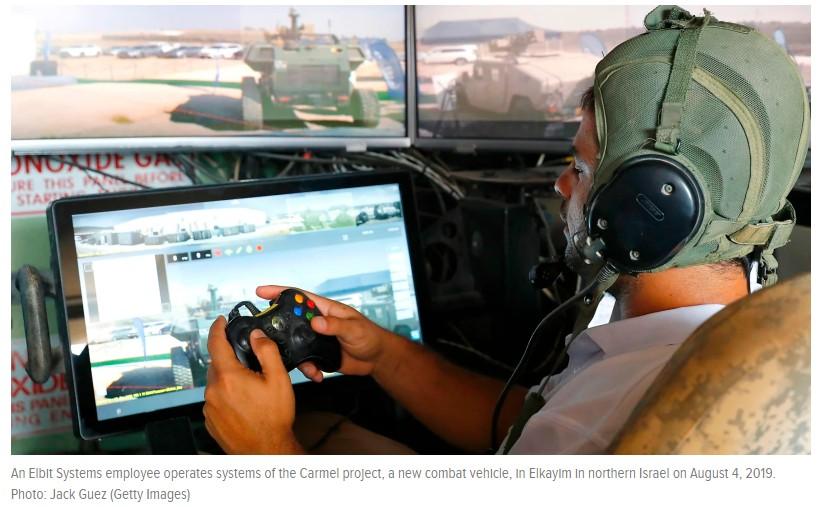 以色列士兵用「Xbox控制器」操作新型坦克,介面配置宛如《Fortnite》《APEX英雄》